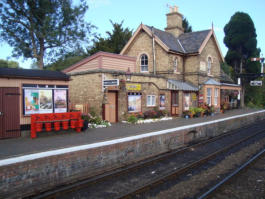 Hampton Loade Station
